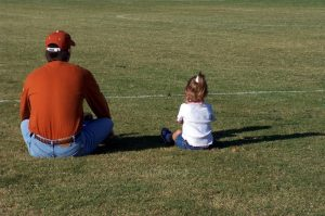 watching-with-dad-1510745-1278x848